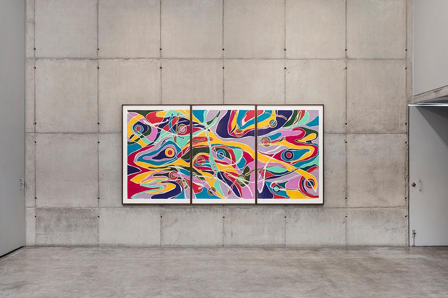 Marcia de Moraes Planos de fuga, 2019 Grafite e lápis de cor sobre papel 140 x 300 cm (tríptico)